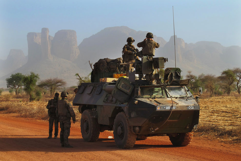 US increases presence in Africa to fight guerrillas and al-Qaeda affiliates (W. Post). In Mali, French soldiers in an armored vehicle stop for a break near the mountains north of Douentza. Feb. 7, 2013. (Daily Star  Photo: Reuters/David Lewis)
