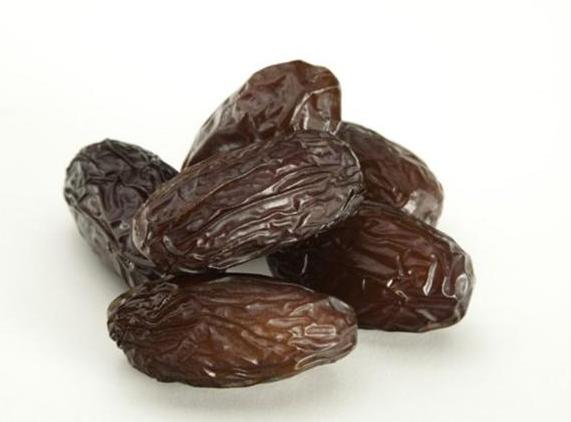 their velvety texture and syrupy sweet caramel flavour, these jumbo-sized dates with the glossy, crinkly skin are the rock star of the date industry.